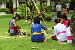 Ngayah or the process of preparing the ceremony